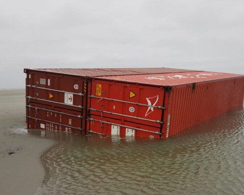 Verloren zeecontainers op het Wad
